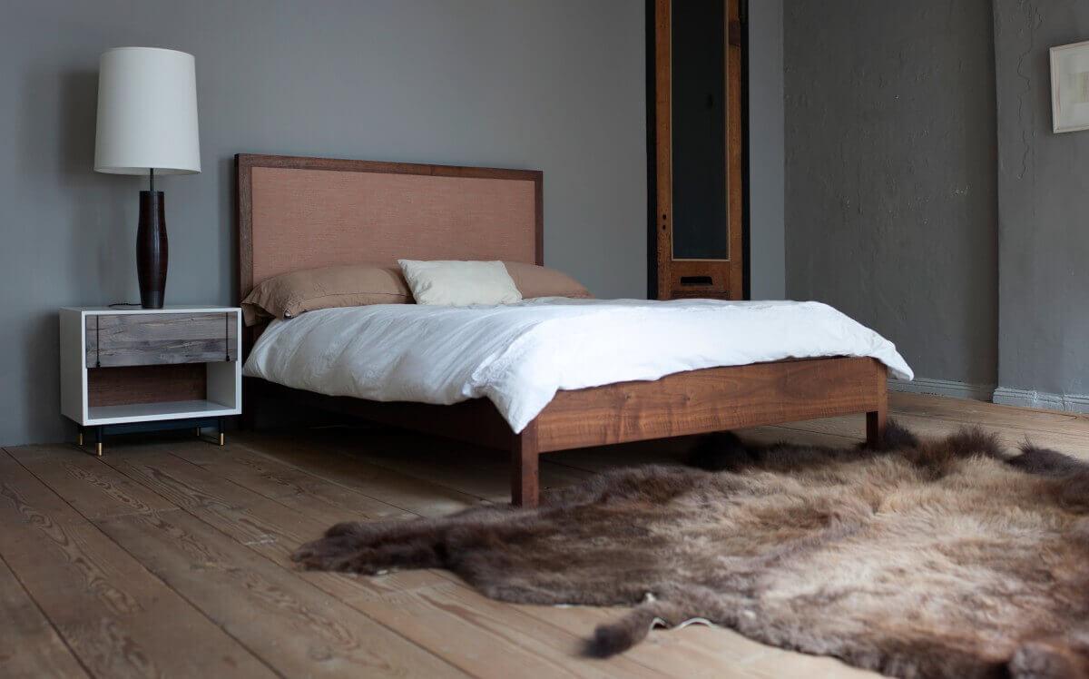BDDW wooden bed