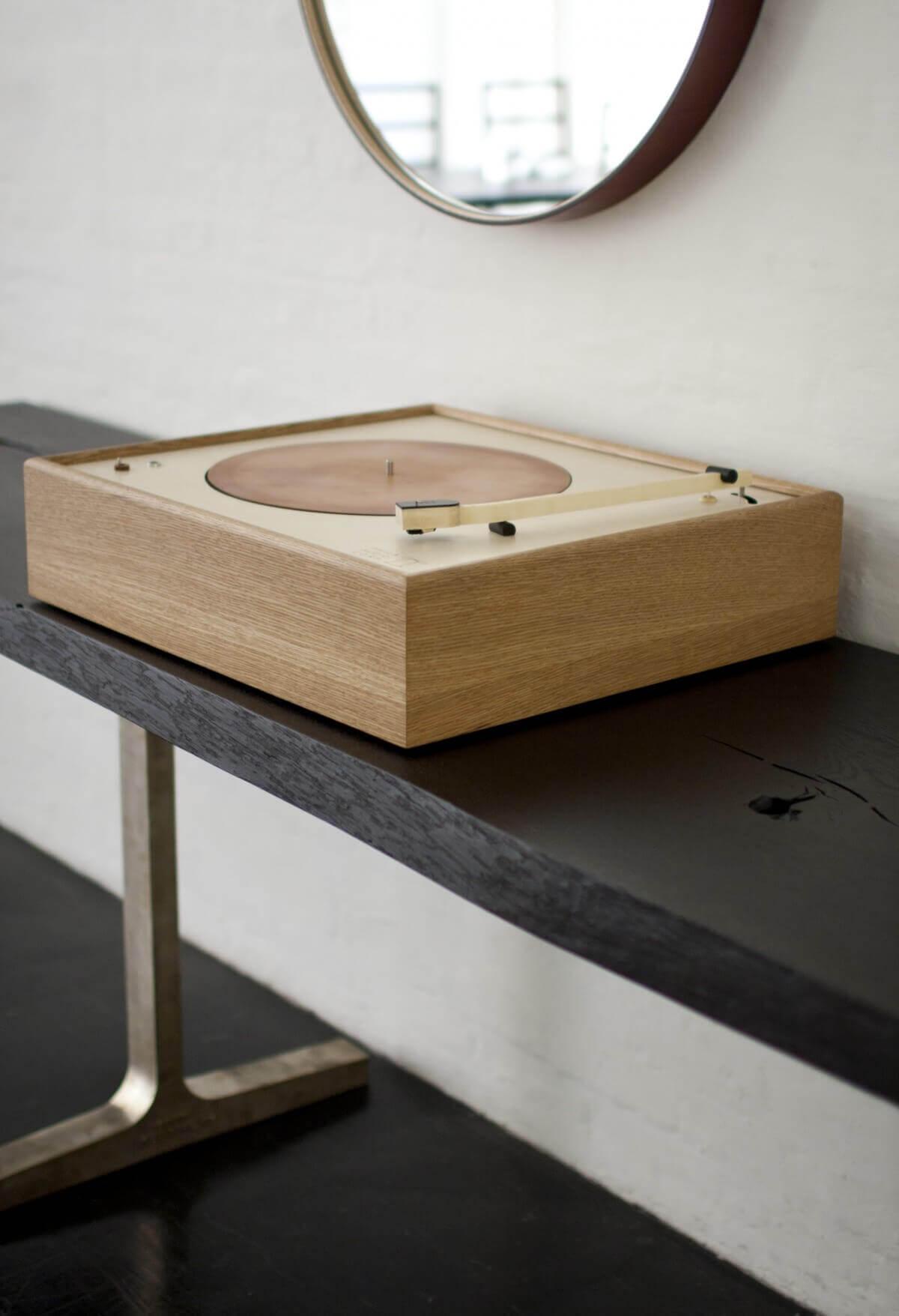 BDDW wooden turntable