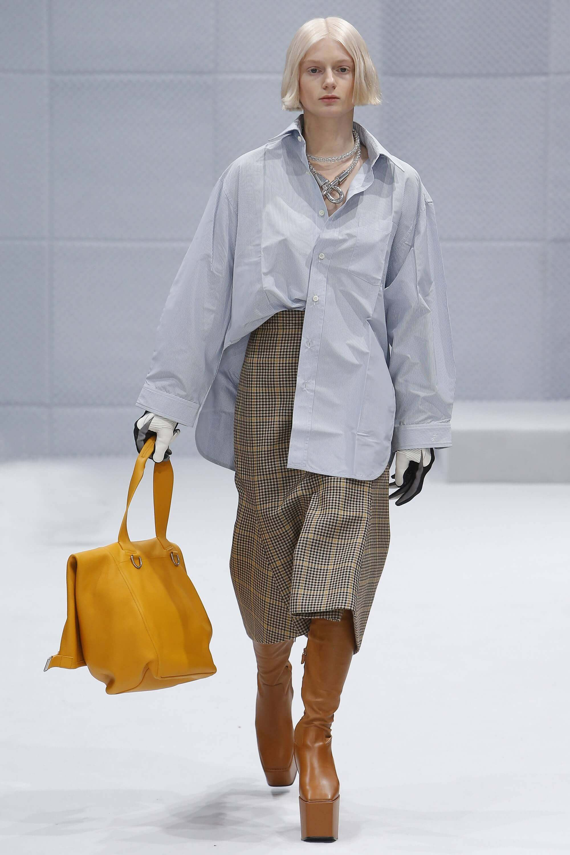 Balenciaga Ready to Wear fall 2016 mustard tote