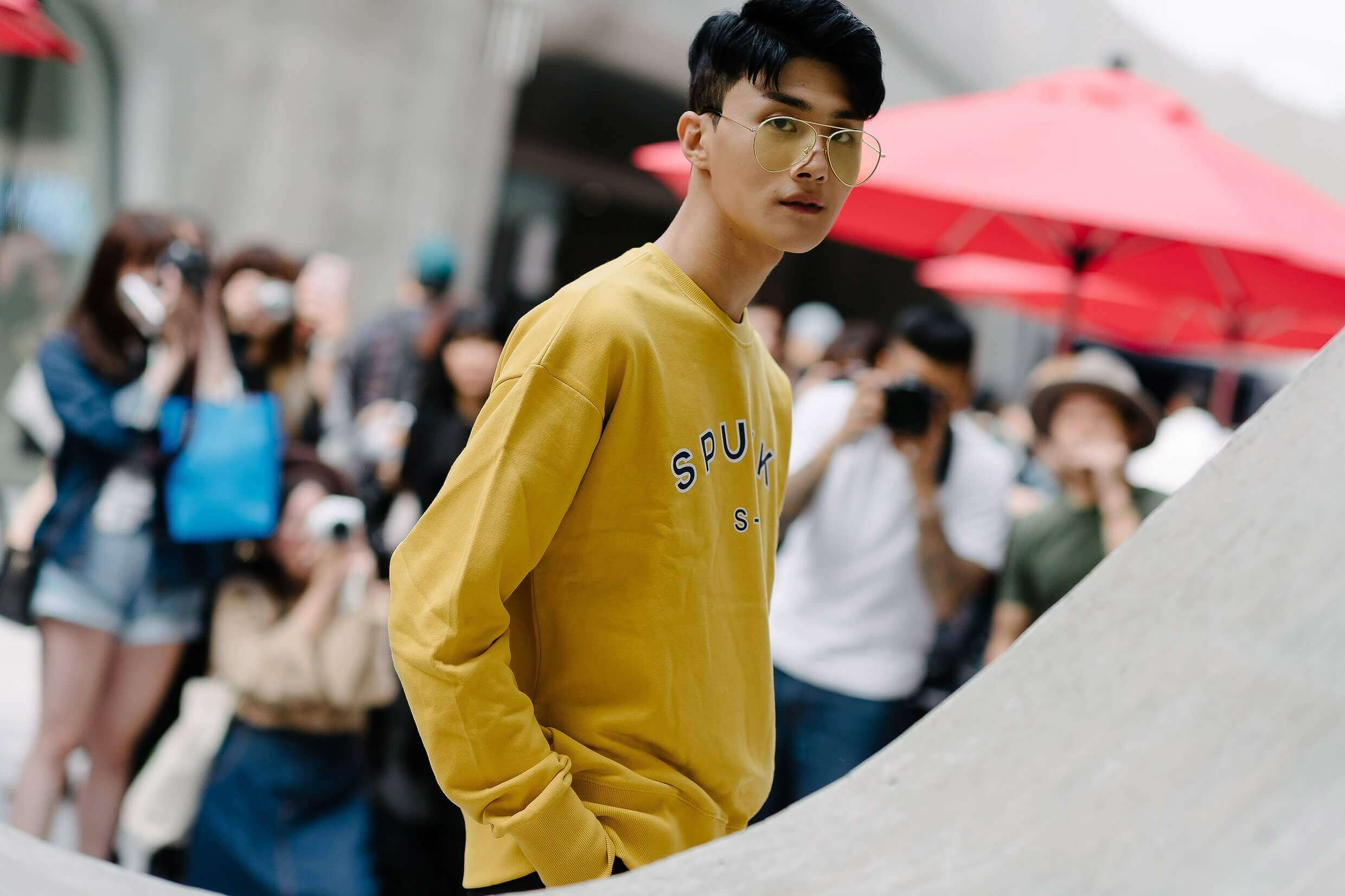 Seoul Fashion Week Street Style 2016 mustard sweater