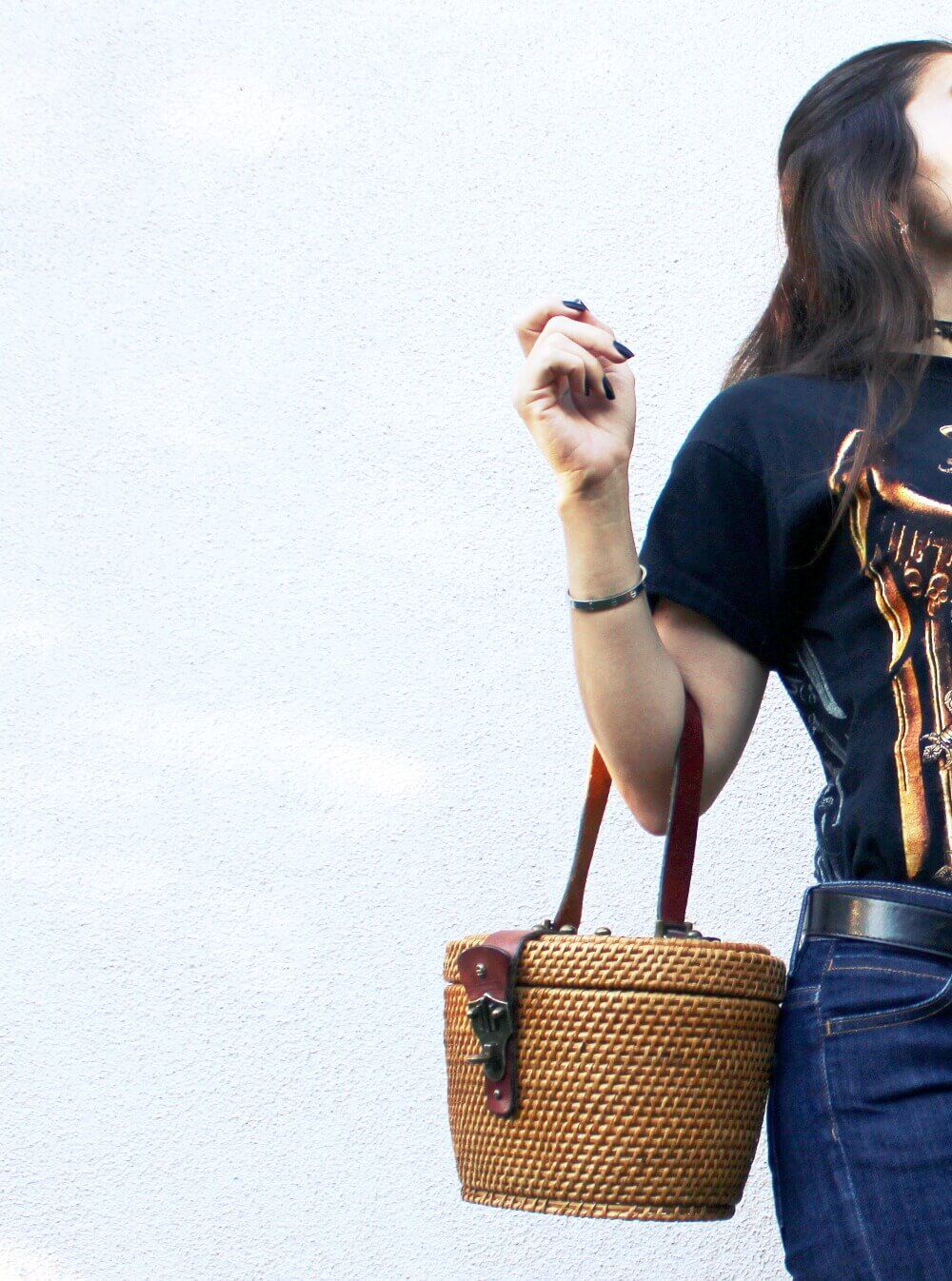 old Salyer vintage t-shirt and vintage Etienne Aigner straw bag